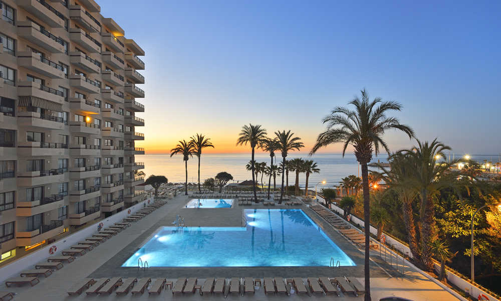 A new sol is risinga new sol is rising beach holiday for Hotel del sol
