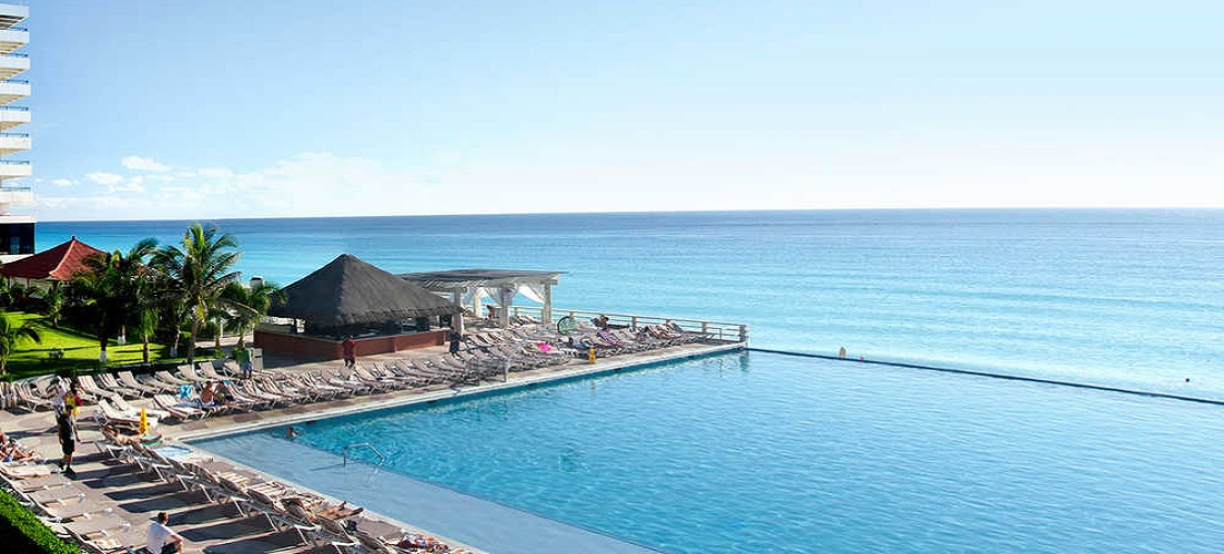Crown Paradise Club in Mexico features on our Christmas holidays - where to go blog