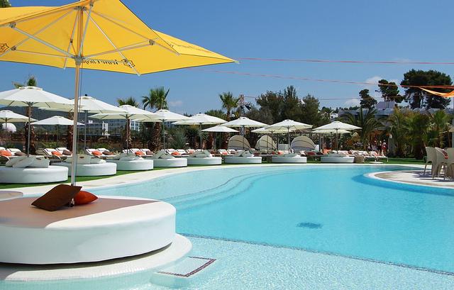 ocean-beach-club-ibiza-210812