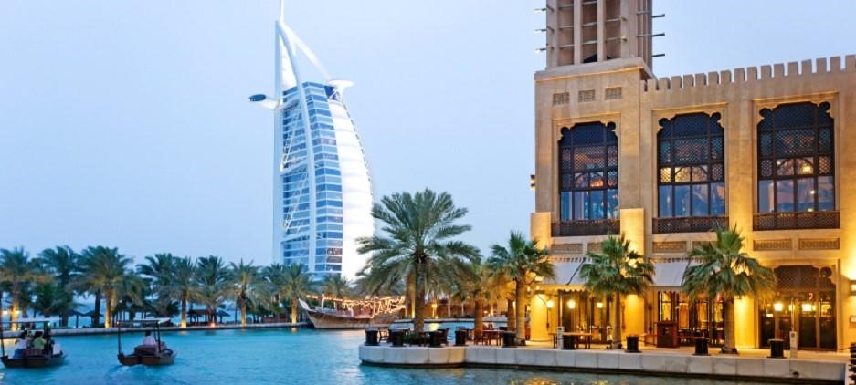 Dubai-iStock_000009312533Small