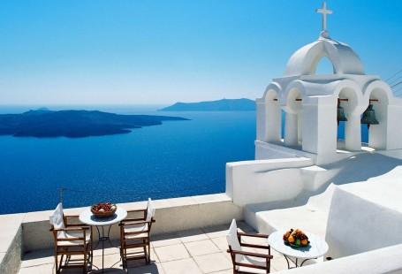 A romantic break to Santorini