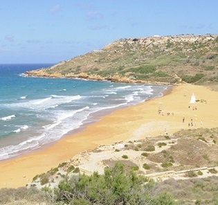 higher-view-of-the-ramla-bay-gozo