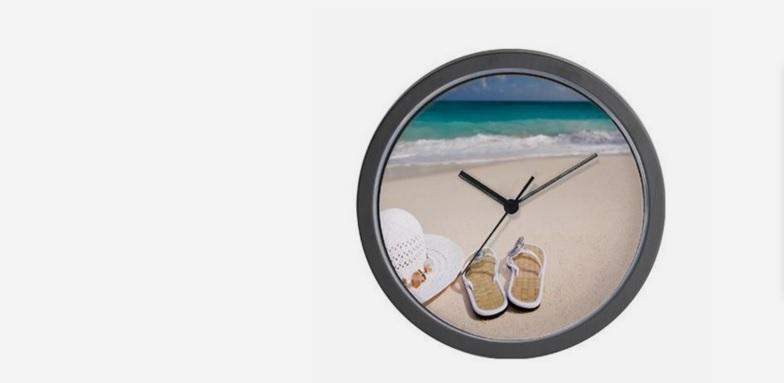 Totally Beachin analogue clock