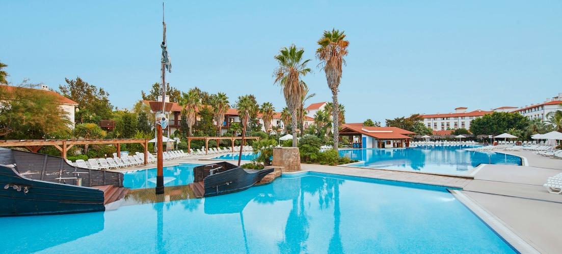 Photo of pool at Hotel el Paso