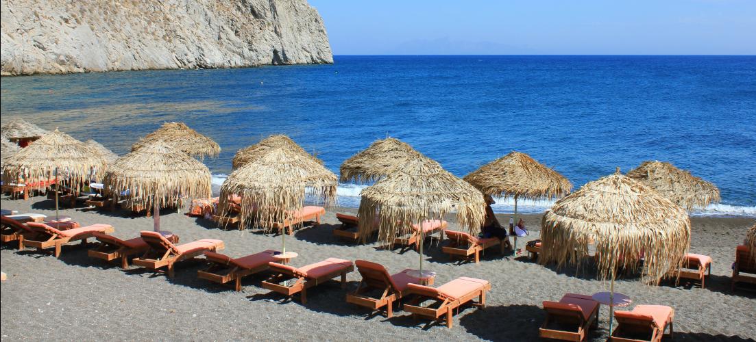 environmentally friendly holidays - clean beach