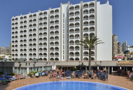 6 reasons to stay at the Sol Pelicanos Ocas hotel in Benidorm