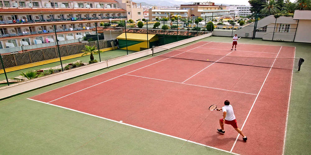 Guitart Gold Central Park is one of our hotels with tennis facilities