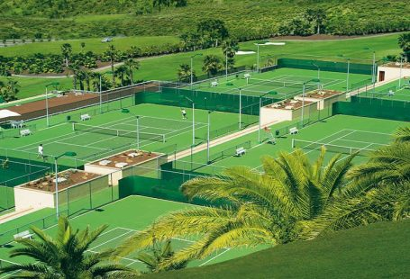 Our favourite hotels with tennis facilities