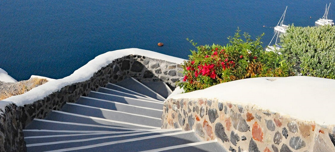 How to spend 5 days in Santorini