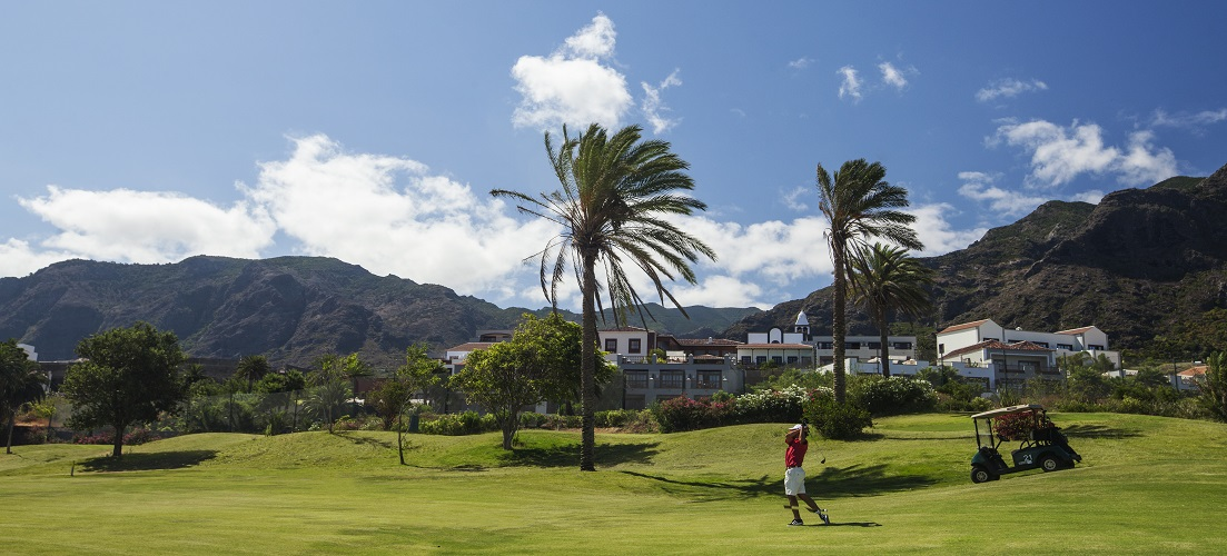 Active holidays in Tenerife - golf