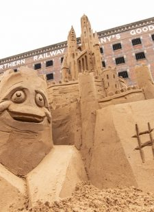 5 top tips to build a show-stopping sandcastle
