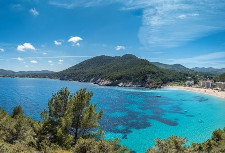 Affordable Ibiza dreams with Playasol