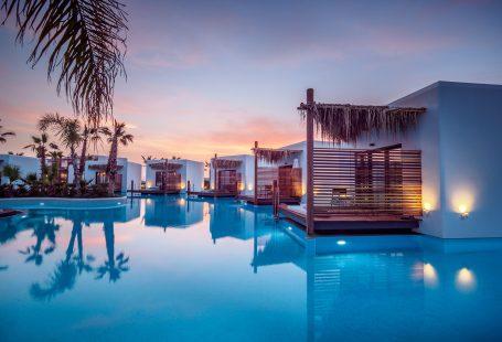 5 swim-up rooms to inspire your next getaway
