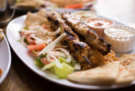 How to make Greek souvlaki at home
