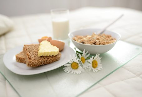 3 breakfast in bed ideas for an at-home Valentine's Day